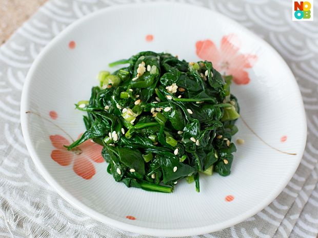 Korean Spinach Salad Recipe (Sigeumchi Namul): Asian Recipe, Cooking Recipe, Salad Recipes, Korean Spinach, Salad Sigeumchi, Baby Spinach Salad, Spinach Salads, Recipe Sigeumchi, 10 Minute Recipe