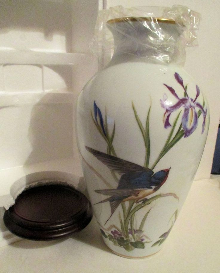 Franklin Porcelain Limited Edition Meadowland Vase - Bluebirds-  New in box!