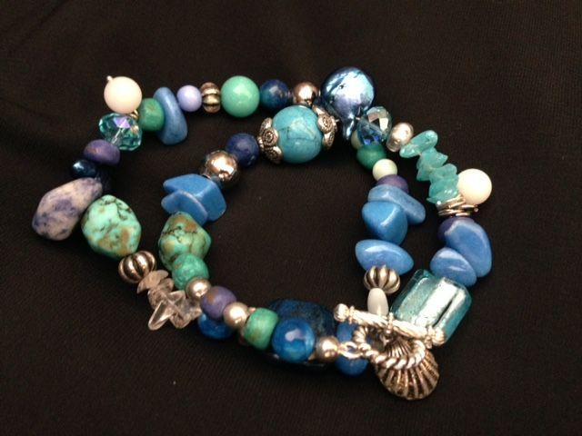 Pulsera elaborada con Turquesa, piedra picada, cristal de la India, lapislázuli, cristales