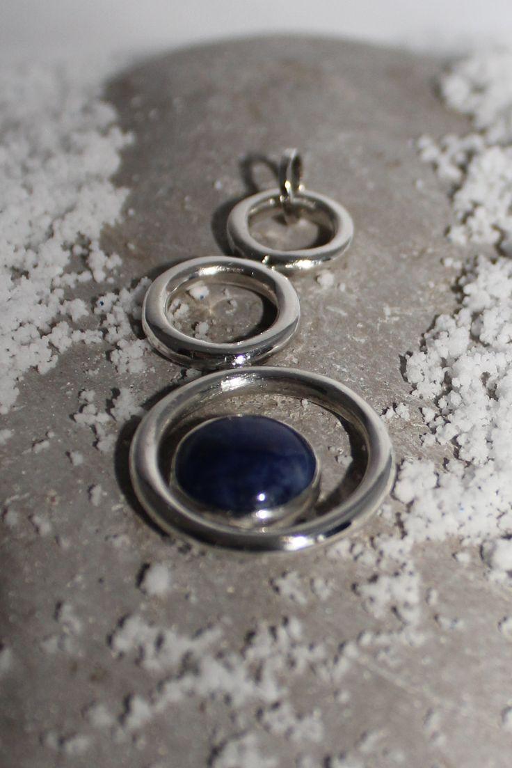 Silver pendant with dark blue sodalite made in december 2014 / Zilveren hanger met donker blauwe steen (sodaliet).