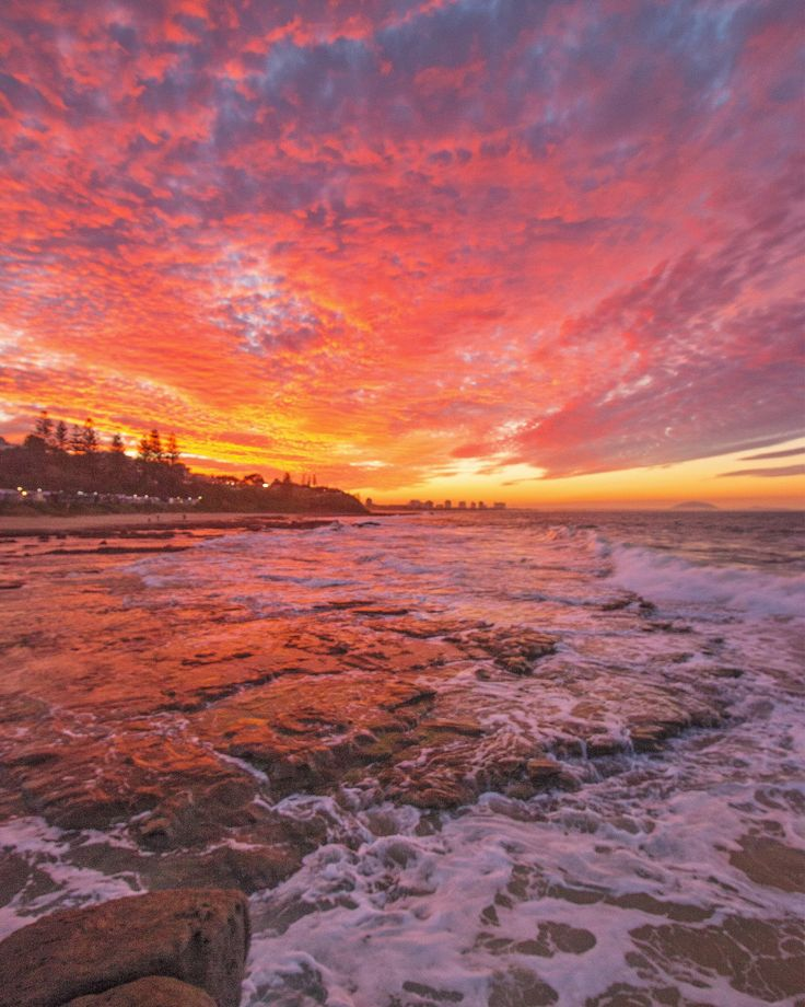 Mantra Mooloolaba Beach, Mooloolaba, Australia - Hello Mooloolaba!  What a welcome and what a day!  Perfect way to end it with a stunning sunset right out the front of my room at the amazing Mantra Mooloolaba Beach!  @visitsunshinecoast @mantrahotels  #visitsunshinecoast #mantrahotels