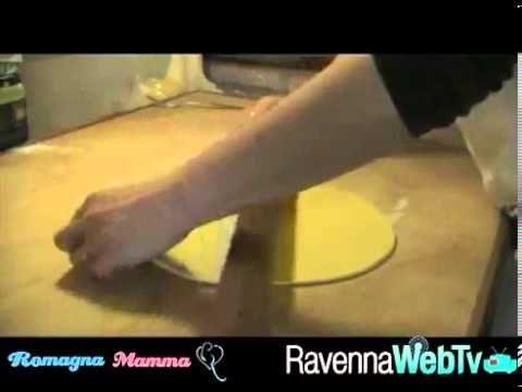 Volete fare un figurone con un piatto di tagliatelle fatte in casa? Questa è la ricetta che fa per voi! In cucina Gianna Giani dell'agriturismo Cà Ridolfi di...