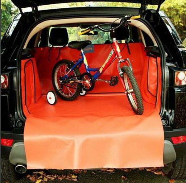 Nächstes mal wenn Sie wandern gehen nehmen Sie das Kinderrad mit und mit in einer Hatchbag Kofferraumwanne dann müssen Sie der Kofferraum selber nicht reinigen.