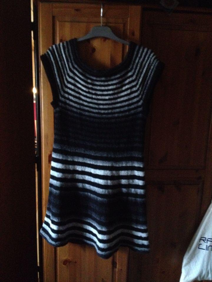 Min første hendes verden kjole, og nr to er undervejs.