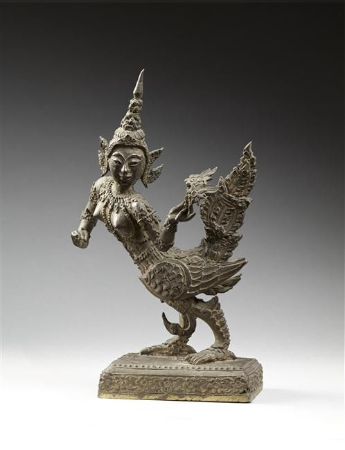 Garuda.  Cambodia - bronze. | Photo (C) RMN-Grand Palais (musée Guimet, Paris) / Thierry Ollivier.