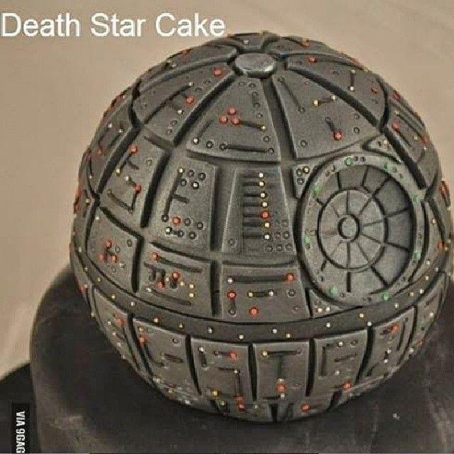 Death star cake. Bolo Estrela da morte. #cake #bolo #deathstar #Estreladamorte #starwars #geek #nerd #gamer