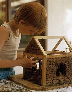 DoeHoek - Houses from around the world, build them on a small scale with the kids!