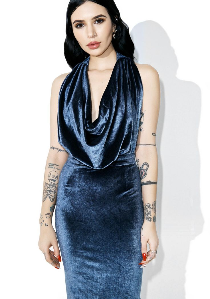 Smooth Criminal Cowl Neck Dress yew can get away with anything, bb. Get 'em under yer spell with this luxe velvet dress that featurez an open back, body-huggin' fit, and a halter neckline with a drapey cowl front.