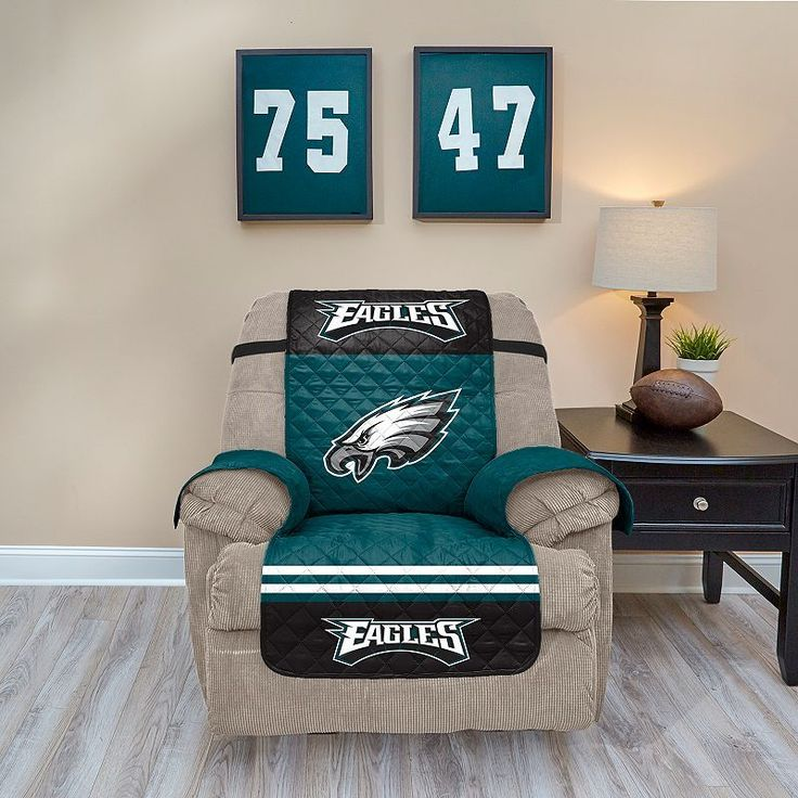 Philadelphia Eagles Quilted Recliner Chair Cover, Multicolor