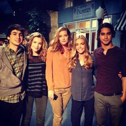 Twisted ABC Family | Behind the Scenes | Ashton, Maddie, Kimberly, Denise, and Avan