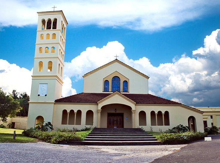 Atractivos de Victoria - La Abadia del Niño Dios - Region Litoral
