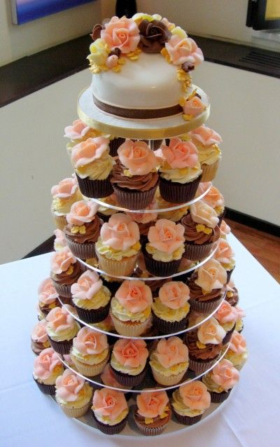 Peach Piped Roses with Gold DetailCupcakes Ideas, Insert Cupcakes, Gallery, Flower Cupcakes, Cupcakes Towers, Cupcakes Rosa-Choqu