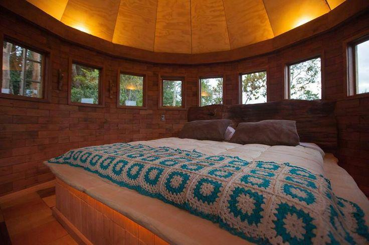 dormitorio rústico cabaña torre #construcciones sustentables #puerto varas #reciclaje #maderas recicladas #spa