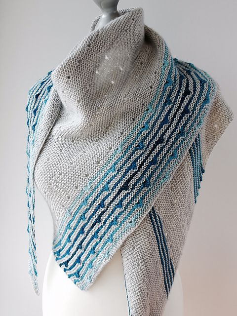 Solaris by Melanie Berg | malabrigo LAce in Azul Profundo, Tuareg and Bobby Blue and madelinetosh prairie