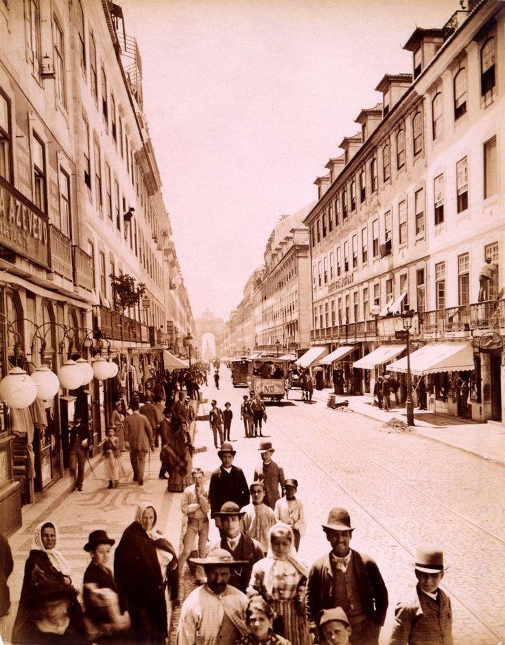 Rua Augusta por volta de 1890. Lisboa. Postal fotográfico de Louis Levy