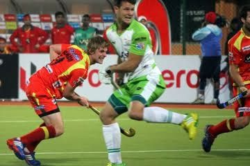 Ranchi: Defending champions Ranchi Rhinos rode on Ashley Jackson's late penalty corner conversion to register their first win in the Hero Hockey India League (HHIL) 2014 by beating Delhi Waveriders with a solitary goal in a keenly-contested league match at the Birsa Munda Hockey Stadium in Ranchi today.
