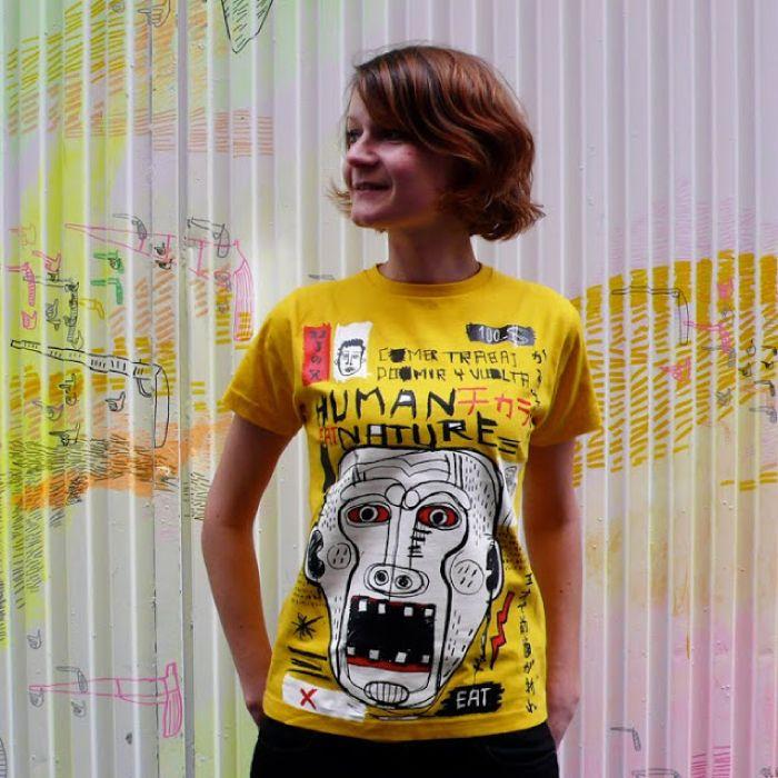 GUCHAGUCHA  GUCHAGUCHA est un projet créé par deux graphistes basés à Madrid : Eduardo Bertone (Argentine) et Michiyo aka ROJI (Japon). Le label s'intéresse à la fusion culturelle, au mélange des styles et aux expressions artistiques en tous genres pour proposer une collection de tee-shirts originaux singulière, fraîche et colorée...  http://www.grafitee.fr/tee-shirt/guchagucha/  #lifestyle #fashion #graphic #Tshirts #Spain #GUCHAGUCHA