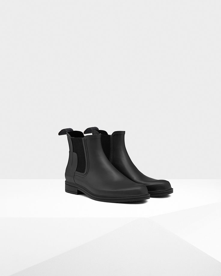 A slim fit Original Chelsea boot. http://us.hunterboots.com/male-boots/mens-original-refined-chelsea-boots/black/2487