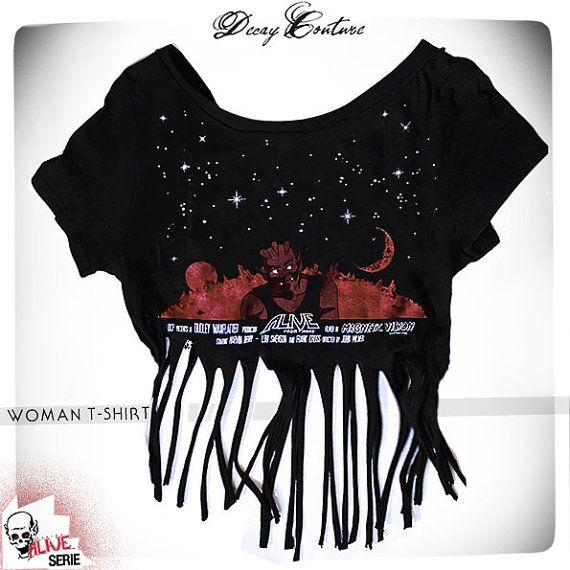 BAD MARTIAN t-shirt WOMAN, horror punk t-shirt, crop top t shirt maker, fringed t-shirt, black woman t-shirt, cult horror t shirt