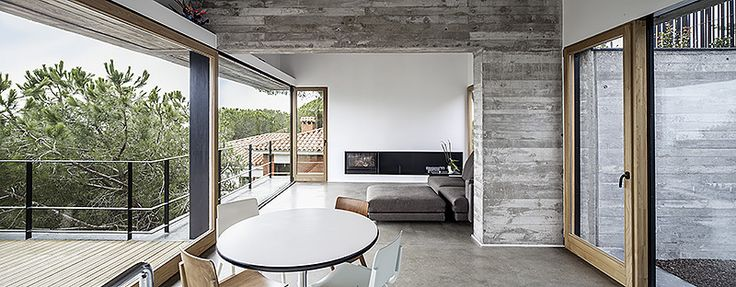 House Characterised By High Contrast And Industrial Elements: Mediterrani 32 - http://freshome.com/2013/05/20/neutral-house-characterised-by-high-contrast-mediterrani-32/