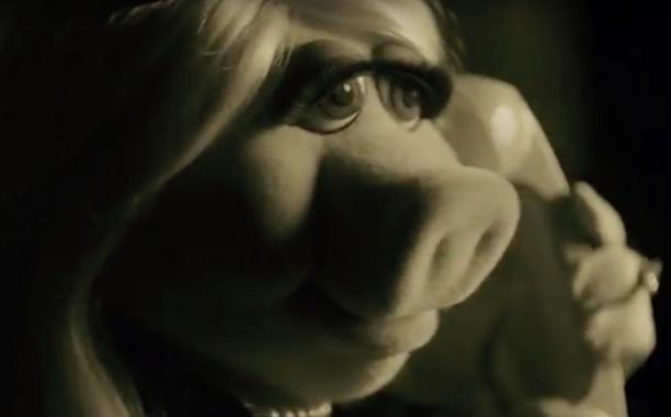 Muppets: Adele Hello parody features Miss Piggy and Kermit | EW.com