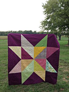Giant Star Quilt  --- I need to make one of these! {good for using up some of that fabric stash @Jamie Wilbur Moilanen}
