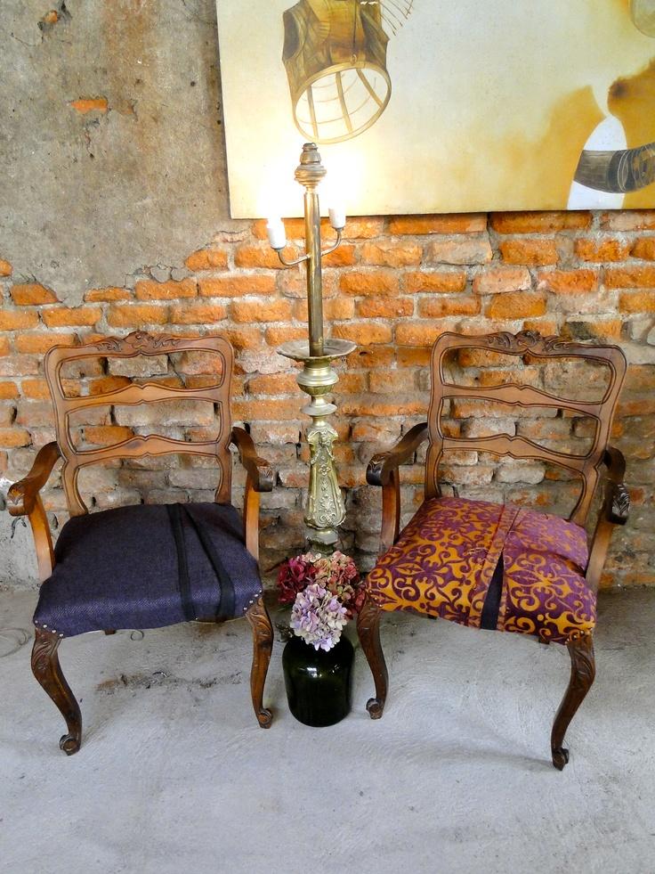 Sitiales Normando tapizados a juego en tonos morados