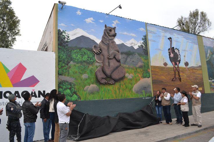 Luego de dos semanas de trabajos, los 25 murales artísticos de la barda perimetral del Parque Zoológico Benito Juárez fueron inaugurados este sábado con la presencia de autoridades estatales y ...