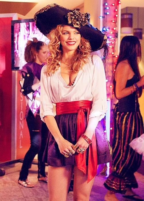 naomi clark | Love this costume!