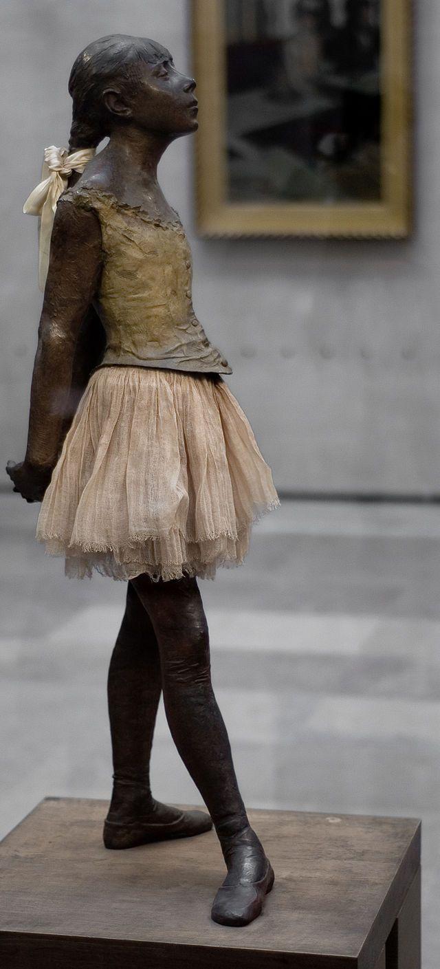 La Petite Danseuse de quatorze ans, bronze - Edgar Degas (1881) Musée d'Orsay, Paris. France