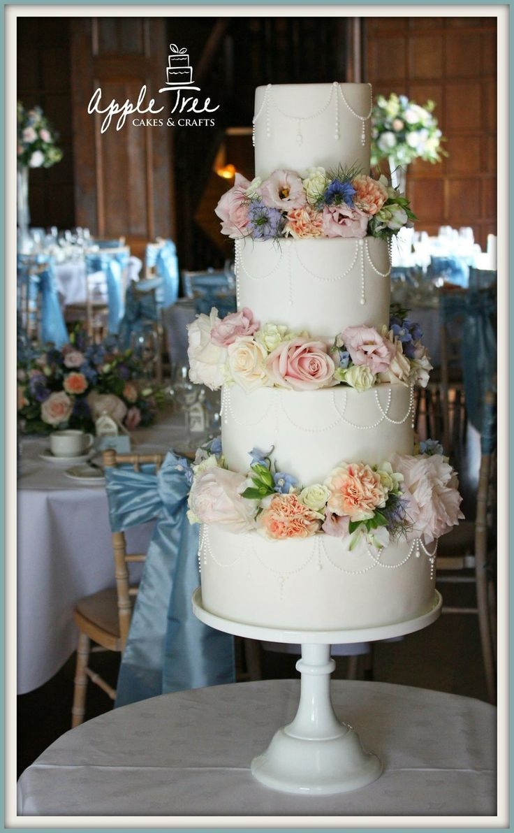 wedding cakes with royal icing 26 best images about wedding cakes on royal 26112