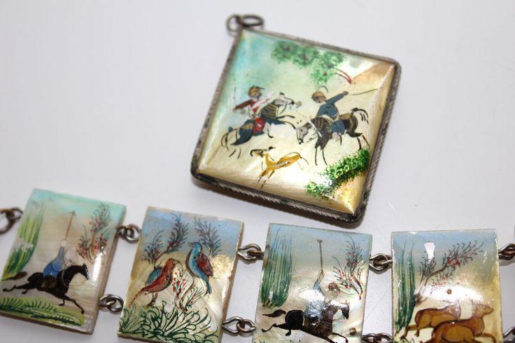 `VINTAGEArt Deco Mother of Pearl Handpainted Persian Story Pendant,Bracelet set