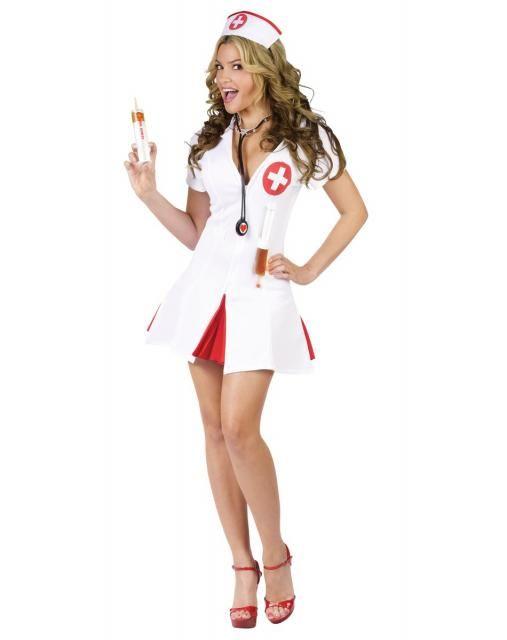 52ea974a3 Fantasia de Enfermeira para Carnaval com sandália vermelha ...