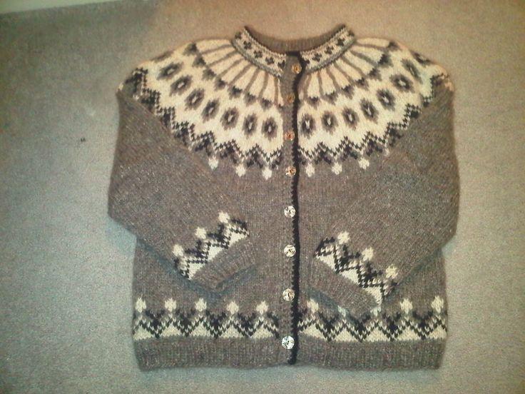 Ravelry: Design 7b - Cardigan pattern by Álafoss