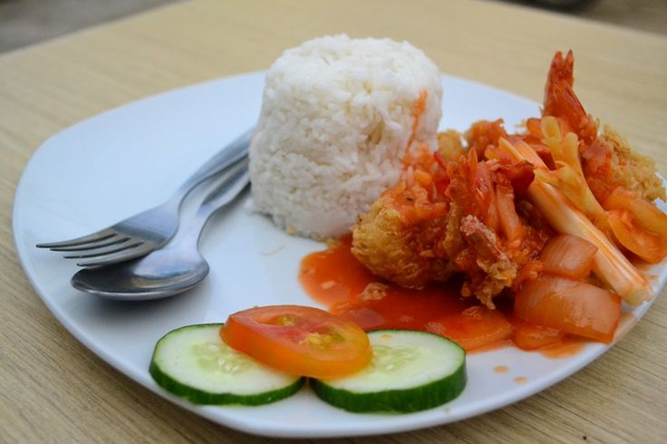 "Nasi udang Asam Manis -  Barometer Coffee - Samarinda - Mampir Yuk.. Jl. Pahlawan No.3 – Samarinda, Kalimantan Timur, Indonesia   BUKA SETIAP HARI  JAM 12:00 WITA – 04.00 WITA Live Music : ""BaroCoustic"" with Ethnic Accoustic @ Every Wednesday Night & ""The Soul Accoustic"" @ Every Saturday Night ( 20:30 PM – 22:30 PM )"