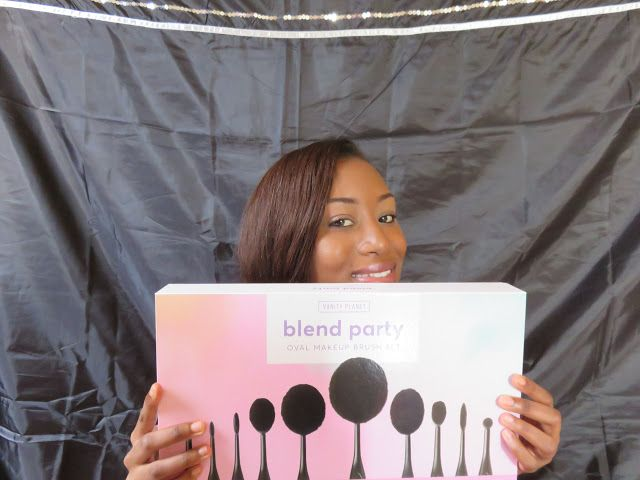 Vanity Planet Blend Party Oval Brush Set Review