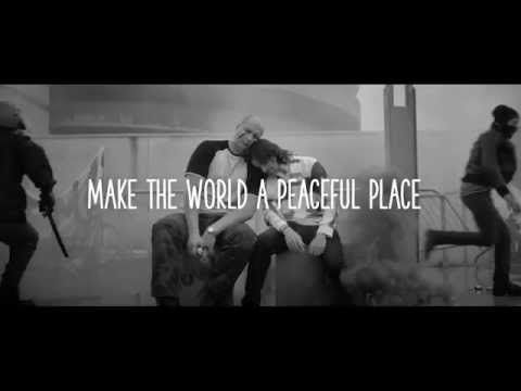 """MAKE THE WORLD A #PEACEFUL PLACE Grazie a #Igorborghi e #DLVBBDO """"Make the #world a #peaceful place"""" in finale a #Cannes Lions #peace #relax #love"""