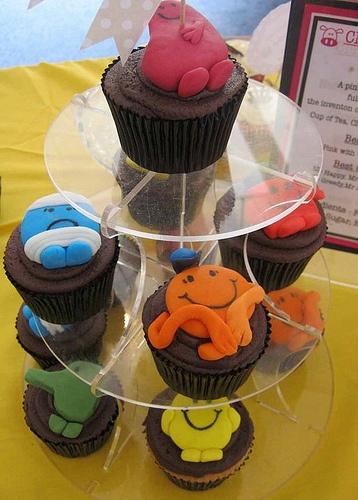 Mr. Men cupcakes!! Mr Men and Little Miss cakes party kids boys girls birthday cupcake popcake cookies