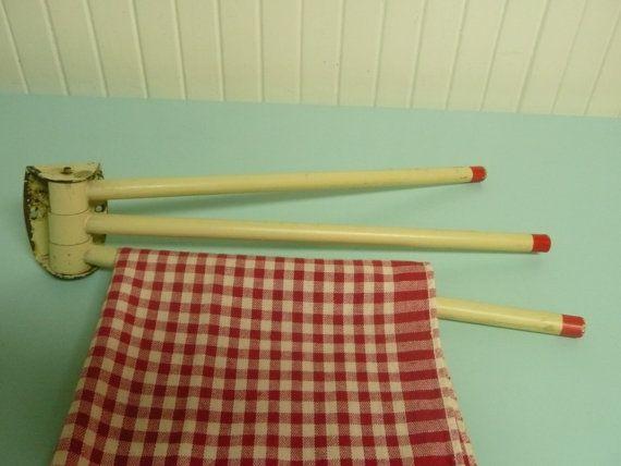 1940s wooden swing arm three arm towel rack tea towel holder red and antique white vintage. Black Bedroom Furniture Sets. Home Design Ideas