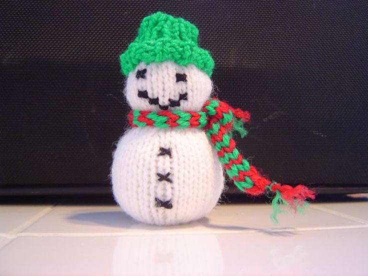 Free Christmas Knitting Patterns Snowman : Best crochet knit snowman images on pinterest