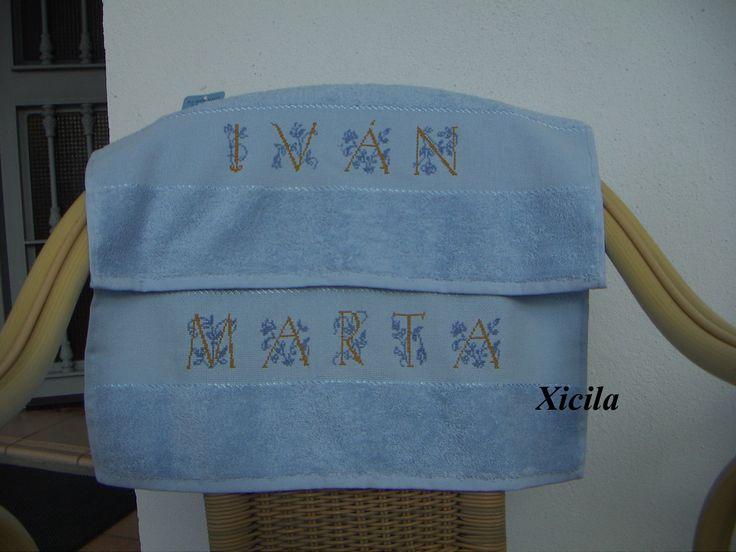 Detalle toallas celestes