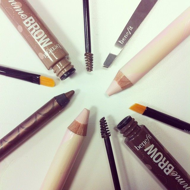 Don't forget to prep those brows gorgeous! What's your fave benefit brow product!?#benefitbeauty