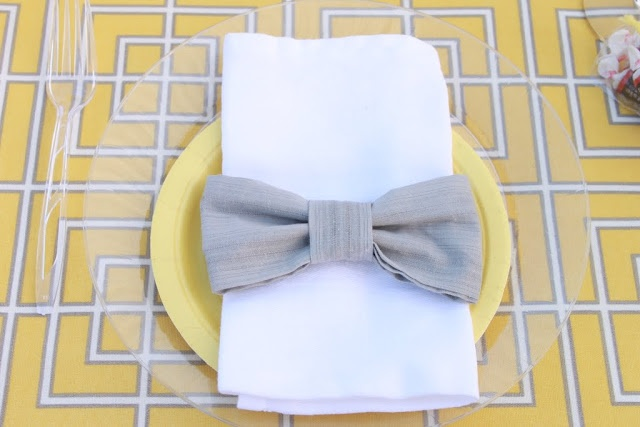Mirabelle Creations: {Tablescapes} -- Rat Pack / Mad Men themed table.  Bow tie napkin rings