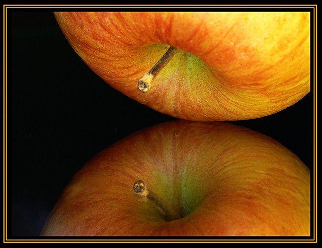 Reflecting Apple by Artnow314, via Flickr
