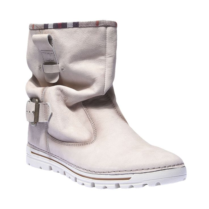 Kožené boty ve střihu nad kotníky s kulatou špičkou a zpevněnou podrážkou s protiskluzovou strukturou. Ležérní design s kontrastním prošitím, přezkami a nakrčeným svrškem s pestrobarevným lemem. Noste je k džínům i zatepleným legínám do školy i do města. Tyto boty si určitě oblíbíte.