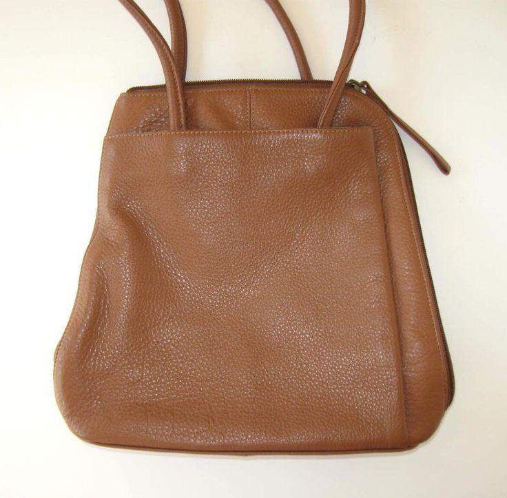 idée cadeau 90 Clarkes britannique Tan en cuir sac à dos, sac à main en cuir, sacs et sacs à main, sac à dos en cuir marron par jewelryandthings2 sur Etsy https://www.etsy.com/fr/listing/385527810/idee-cadeau-90-clarkes-britannique-tan