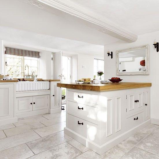 White country-style kitchen with peninsula | Kitchen decorating | Beautiful Kitchens | Housetohome.co.uk