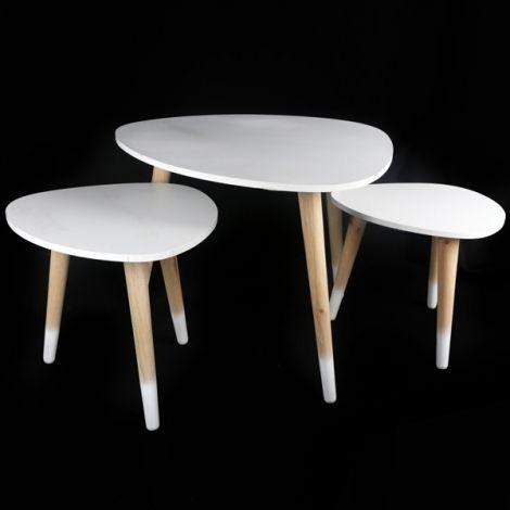 Achetez une table scandinave pas chère pour aménager votre intérieur. Ce lot de 3 tables gigognes à trois pieds est parfait pour une déco moderne !