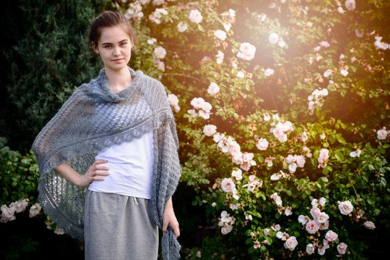Gray romantic hand-made shawl made with thin by Isabellwoolstudio