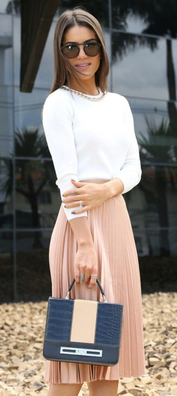 Blush pink pleated skirt + white sweater + silver jewellery + box briefcase. This kind of style is ideal for spring days, both for work and hitting the town! + Camila Coelho.  Shoes: Jimmy Choo, Skirt: Zara, Top: BCBG, Case: Le Postiche.